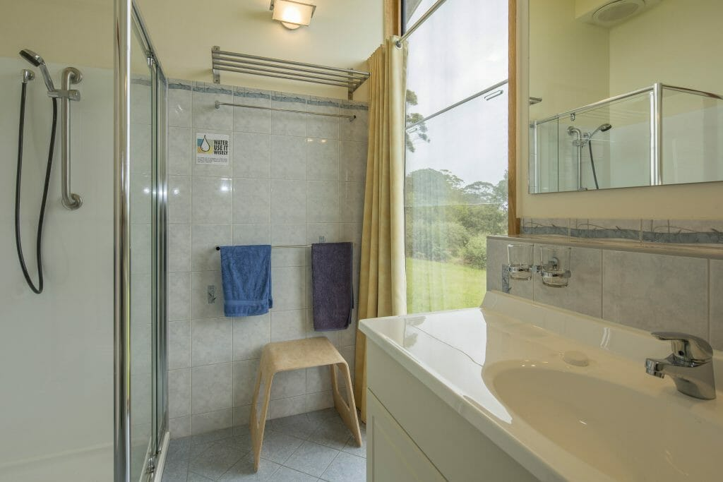 Bathroom Chalet 1